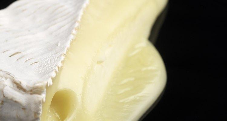 El queso tierno se funde rápidamente con el calor por eso los gajos de chilacayote deben estar calientes.