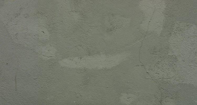 La condensación ocurre cuando el concreto suda con la humedad.