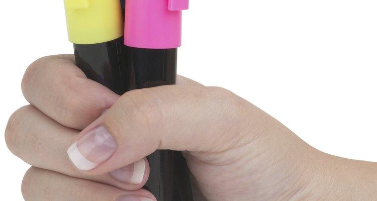 Você também pode tentar reviver marcadores secos com água