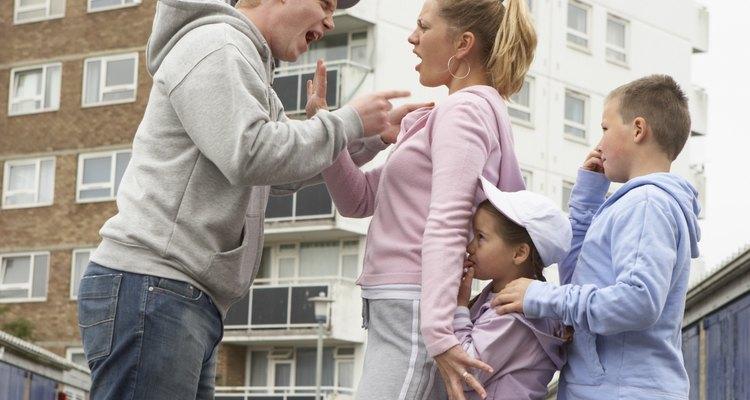 Tu hija puede negarse a participar en las actividades y eventos, si el abusador es un conocido o amigo en su grupo social.