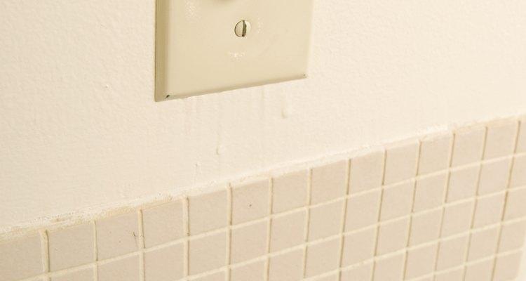 Los interruptores unipolares y bipolares son dos tipos de interruptores.