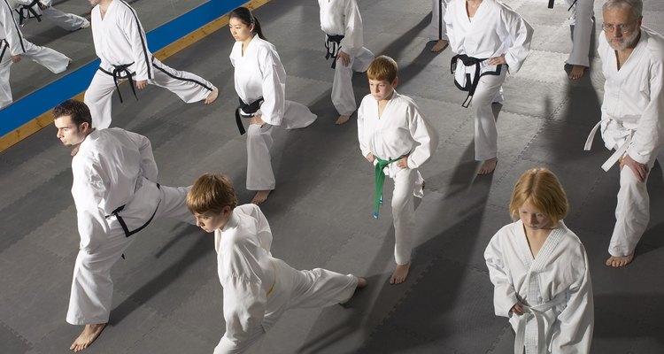 Los niños necesitan participar en actividades que mejoren su rendimiento en base a su nivel de edad.