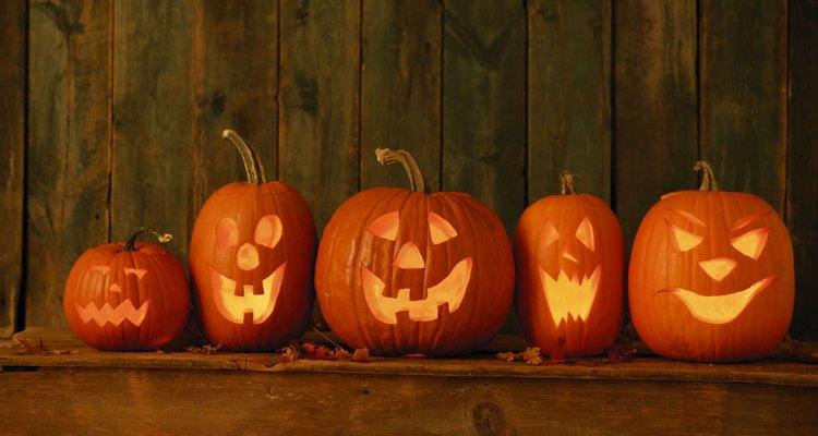 Las linternas de calabaza son un eslabón moderno a la tradición Samhain de encender el fuego.