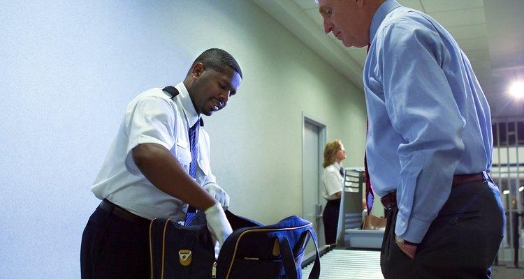 Os fiscais de bagagem podem confiscar qualquer objeto