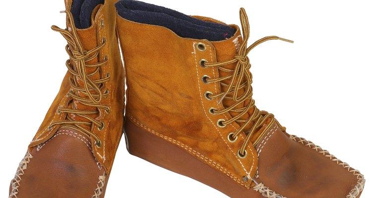 Cuida tus botas de gamuza para que se conserven por más tiempo.