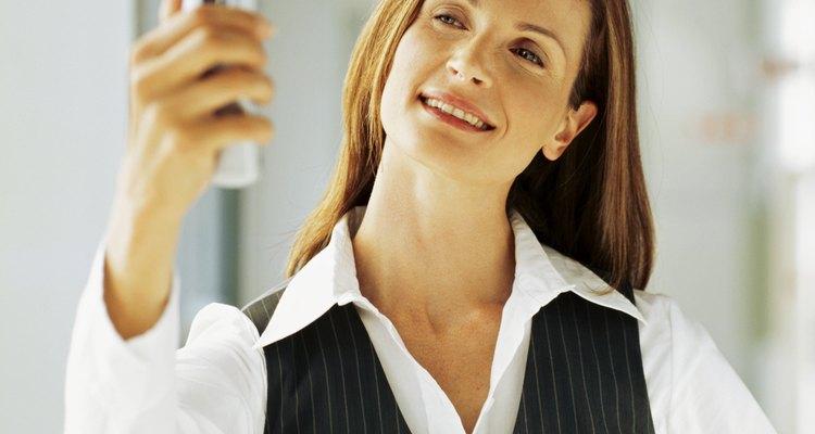 Mantenha o visual elegante transformando seu blazer em um colete