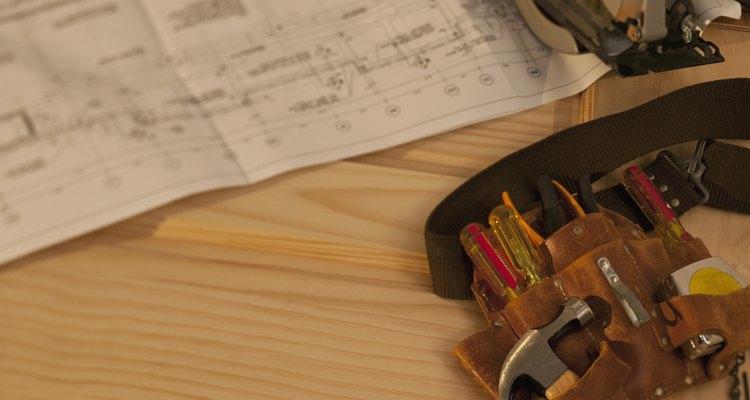 ANSI también ha emitido normas sobre cómo dibujar los tornillos y accesorios roscados.