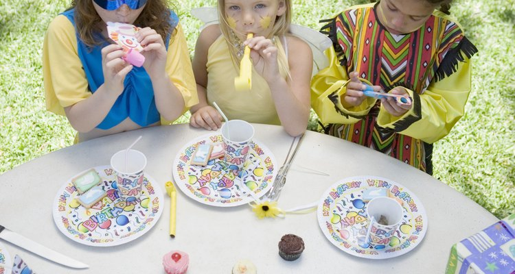 Make birthday parties extra special with printed, personalised paper plates.