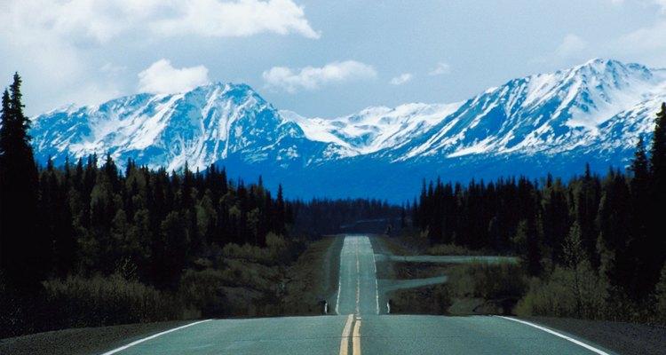 Los conductores de camiones en Alaska ganan mucho dinero en promedio para esta ocupación.