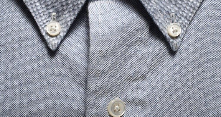 Alguns colarinhos possuem botões