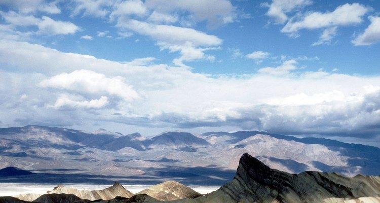 El borato soluble en agua generalmente se extrae de lugares secos, como el Valle de la muerte.