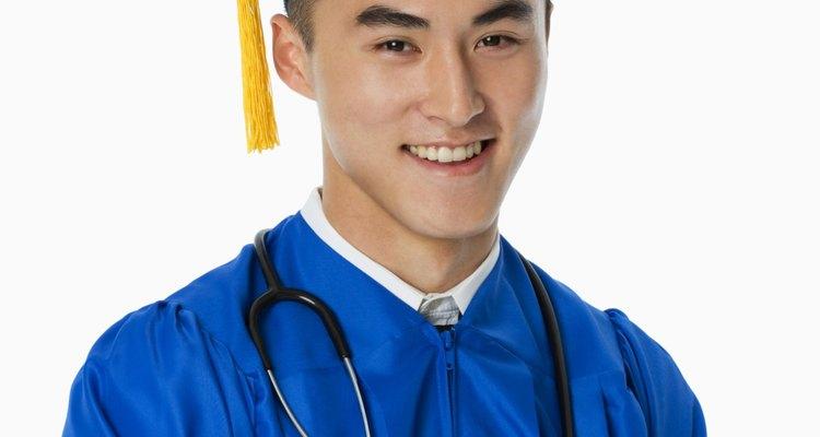 Graduarse de la escuela de medicina es un gran logro y merece una fiesta para celebrar el acontecimiento.