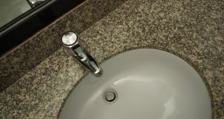 Os gases do esgoto poderão sair pelos ralos do banheiro