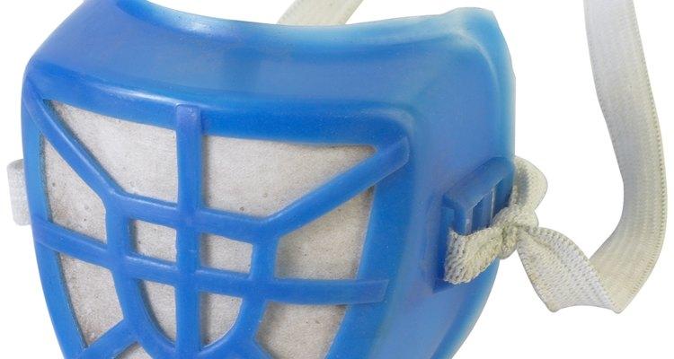 Usa una máscara de filtro químico, cuando trabajes con sustancias tóxicas.