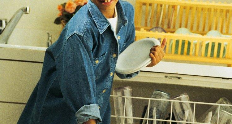 A manutenção regular e limpeza evitam o odor desagradável da máquina de lavar louças