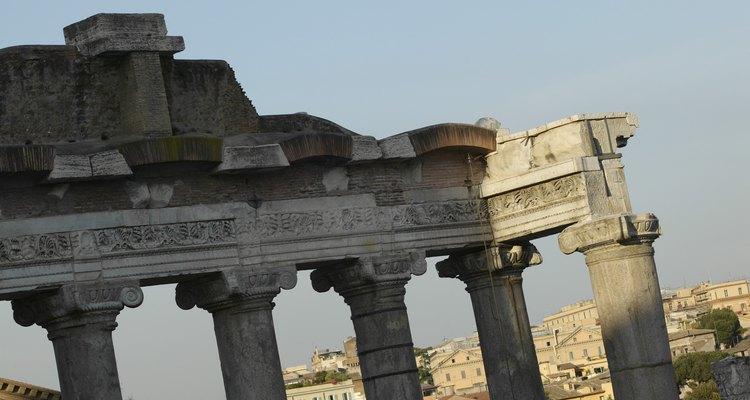O Circus Maximus, originalmente um campo de treinamento militar, era um local popular para esportes em Roma