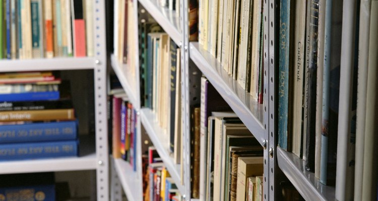 Tradicionalmente bibliotecas armazenam material impresso