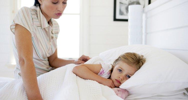 La tos es un síntoma común de muchas enfermedades de la infancia.