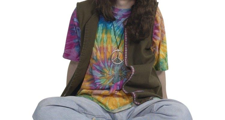 La moda hippie reflejó las actitudes sociales de la época.