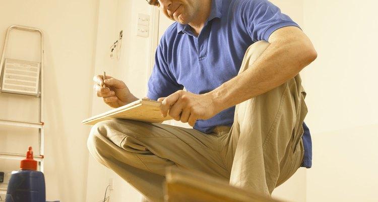 Pinta los pisos de hormigón para darles un nuevo diseño.