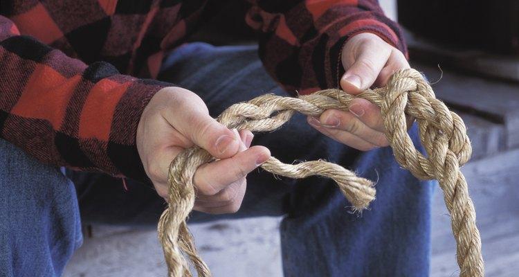 Fazer uma emenda requer desenrolar a corda e enrolá-la novamente