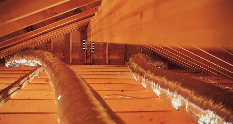Calcula los metros cuadrados de la habitación en los que el conducto nuevo se extenderá. Mide la anchura y la longitud de la habitación.