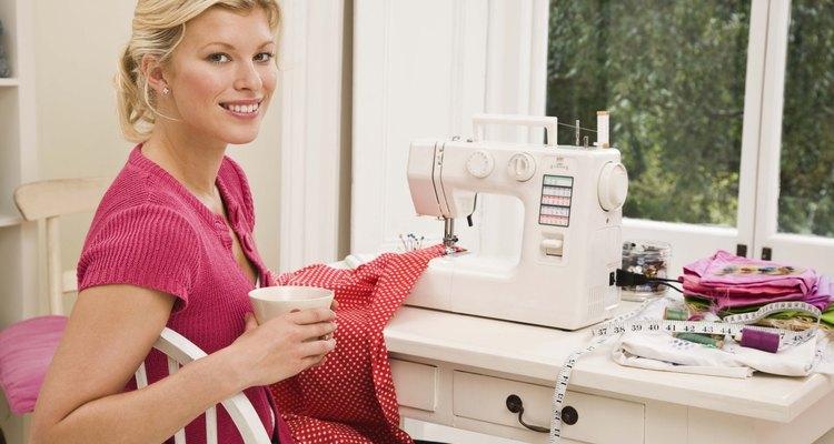 Une todas las partes para coserlas juntas.