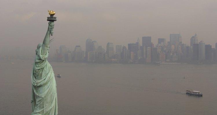 A Estátua da Liberdade é o destino anual de milhões de turistas