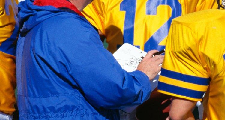 Los entrenadores deportivos son líderes y mentores para los atletas.