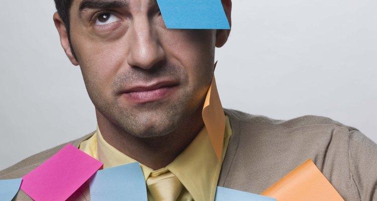 Delegar tarefas pode reduzir a sua carga de trabalho e reduzir a sua lista de afazeres