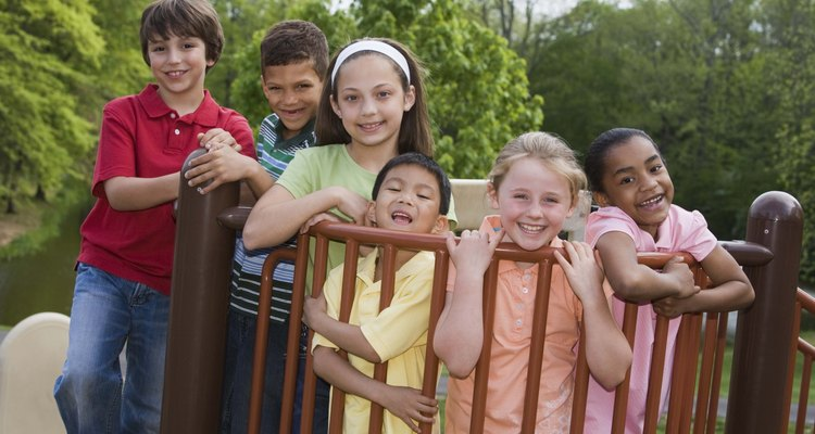 La integración de los niños con sus pares en un entorno común los acostumbra a ser sociales.