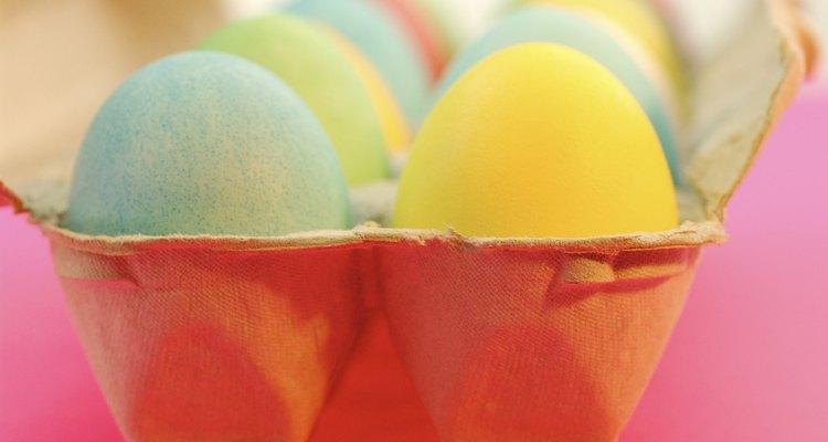 Recicla tus cartones de huevo sembrando semillas en estos.