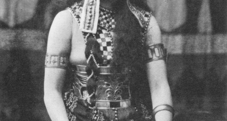 Hollywood criou fantasias espetaculares de Cleópatra
