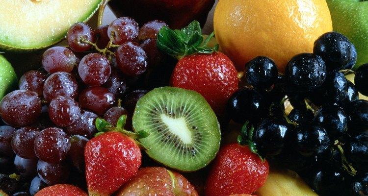 Adicione ao menos três porções de frutas a sua dieta diária