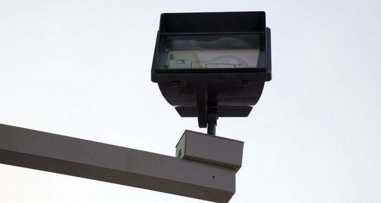 Los temporizadores Intermatic pueden controlar aparatos como luces al aire libre y calentadores de agua.