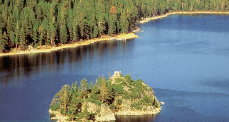 Lake Tahoe se extiende más de 190 millas cuadradas.
