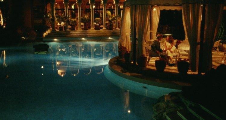La mayoría de los balnearios en Puerto Vallarta cuentan con una gran alberca para uso de sus huéspedes.