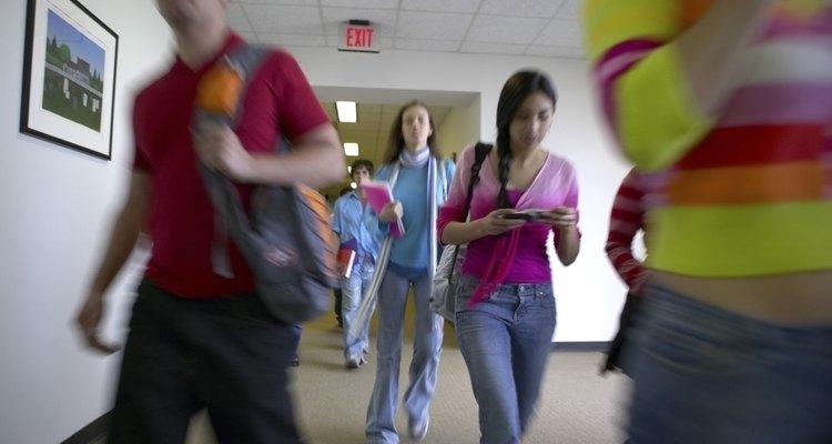 Los trabajos temporales son buenos para las personas que están sin trabajo y aceptan cualquier cosa que puedan encontrar, pero también son buenos para los estudiantes de secundaria.