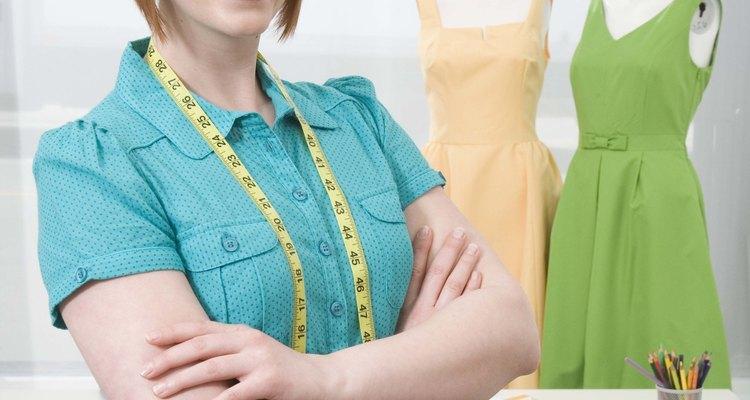 Convertirse en un diseñador de moda requiere entrenamiento, talento y trabajo duro.