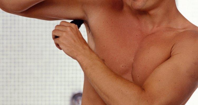 Aprende a tratar la sudoración excesiva de las axilas.