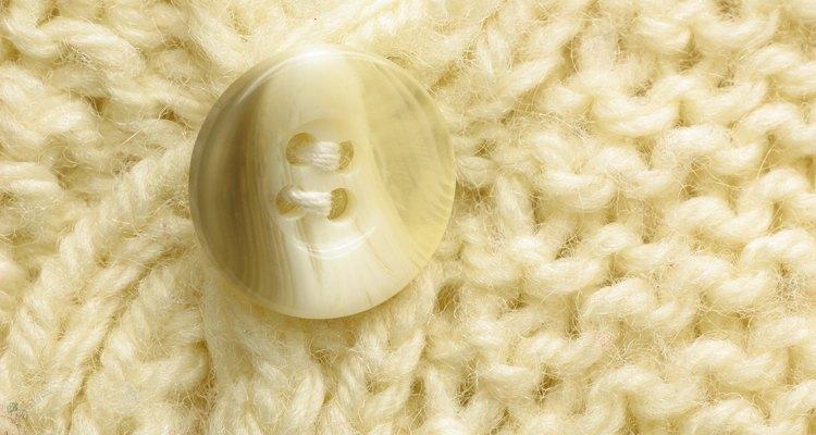 A traça pode causar estragos nos tecidos de fibras naturais, como os agasalhos