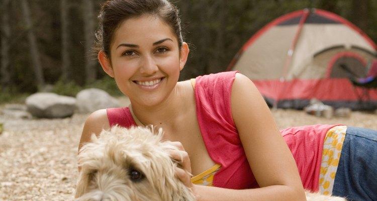Ir de camping es una actividad ideal para disfrutar con los seres queridos.