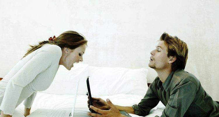 Dispositivos tecnológicos podem te dar avisos da infidelidade do seu parceiro