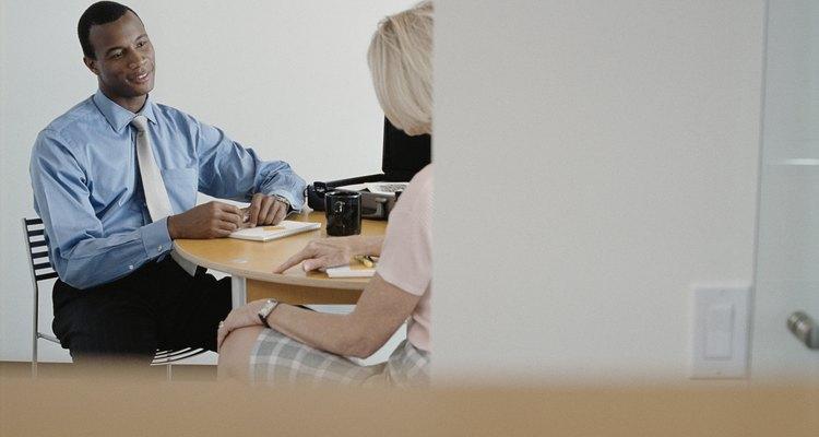 As advertências verbais devem ser feitas de forma privada e, se possível, com um outro supervisor como testemunha