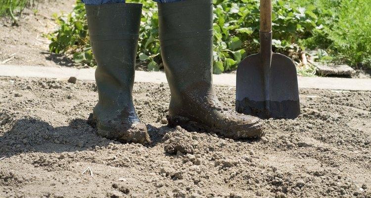Los fertilizantes altos en nitrógeno mejoran la capacidad del suelo para sustentar la vida vegetal.
