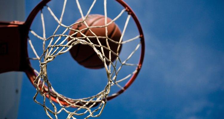 Aprenda as regras de reposição de bola para o basquete