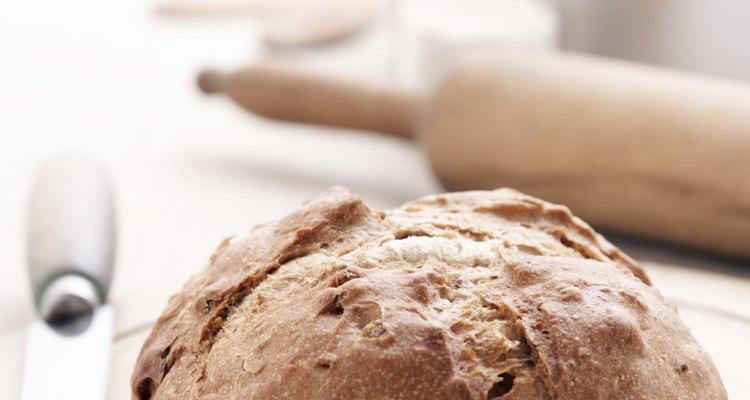 El pan sin harina, también conocido como germinado, utiliza una combinación de granos, semillas y frijoles.