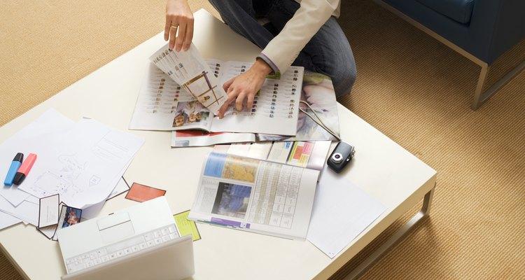 Recicla las páginas de las revistas en una decoración que atrape tu atención.