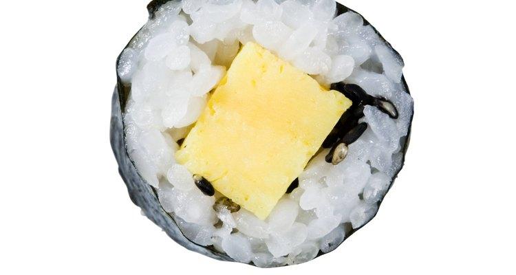 El arroz de grano corto es el mejor para hacer sushi.