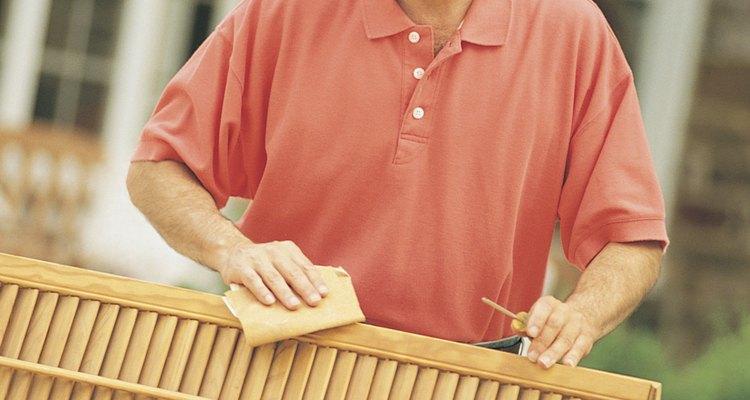 Los soportes de caballete baratos son el comienzo de los parales para trabajar la madera funcionales y plegables.